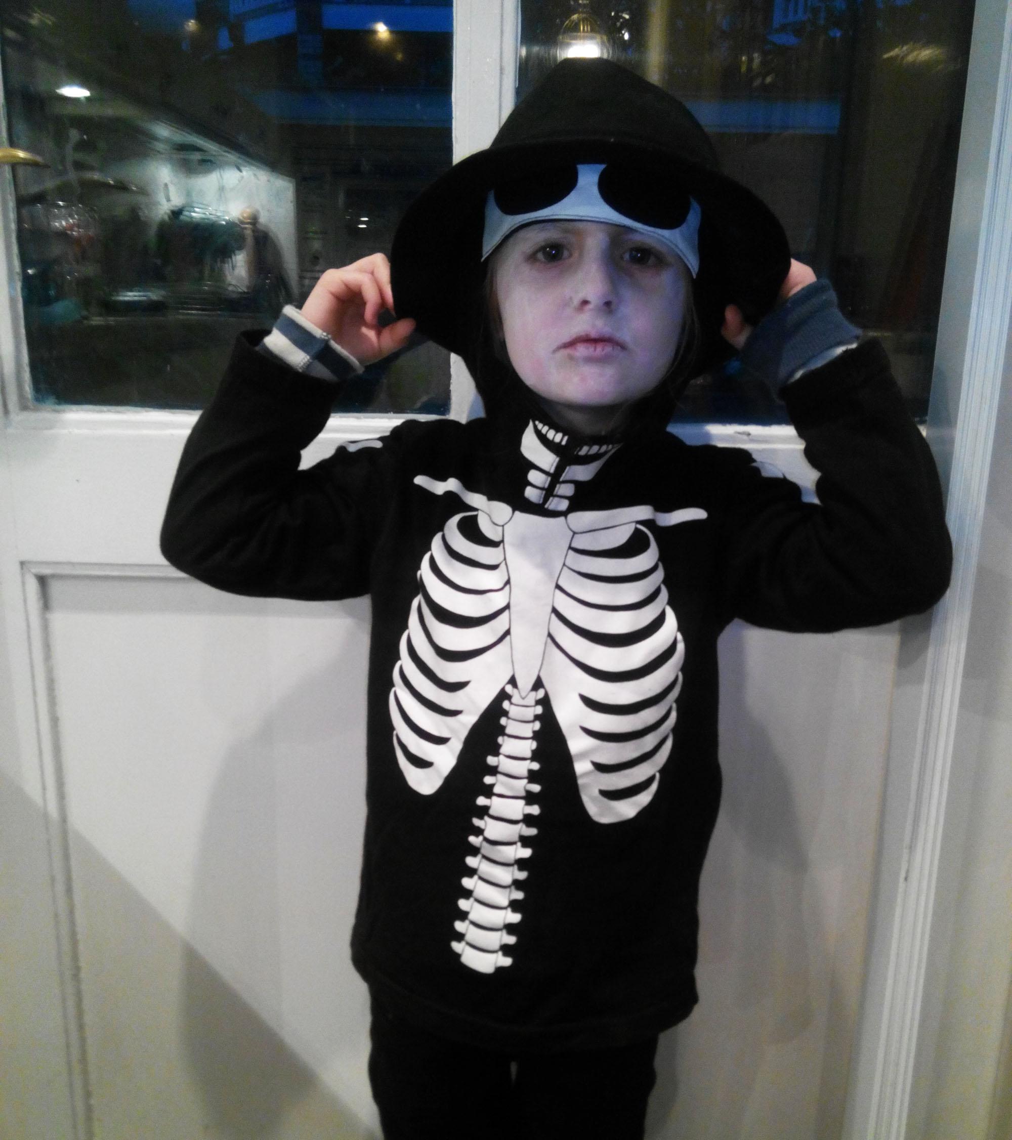 lolo verkleedt als vampier