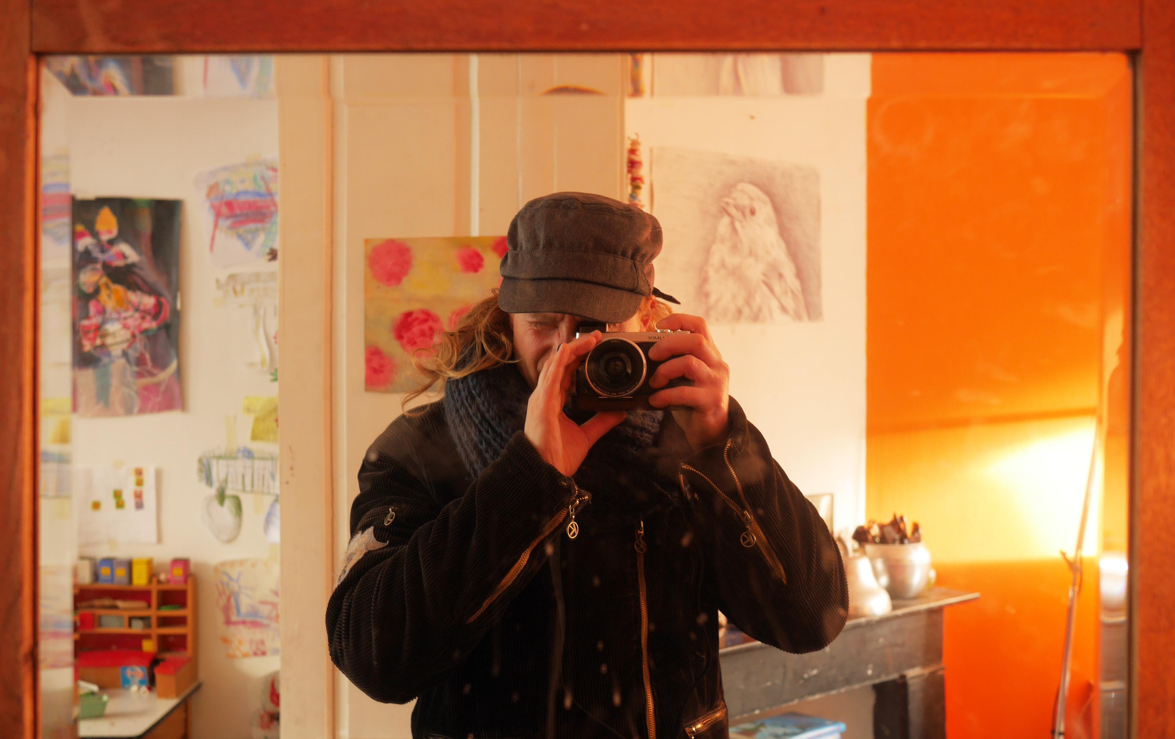 mark met camera