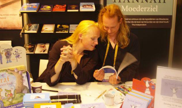 signeren op de Manuscripta Amsterdam