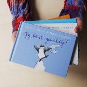 de boekjes van pinguin max, jij bent geweldig! vastgehouden door kinderhanden, valentijn
